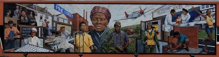 Pine Street Mural